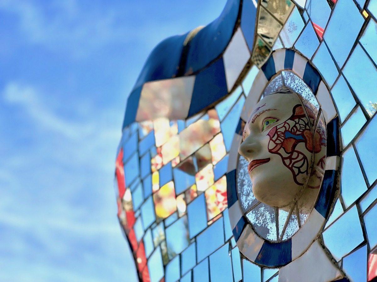 specchio specchio delle mie brame - alberto manieri - giardino tarocchi